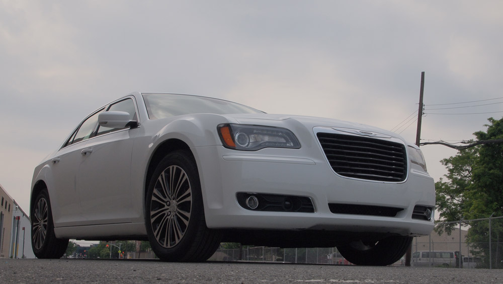 chrysler 300s the poor man 39 s bentley this is not g style magazine. Black Bedroom Furniture Sets. Home Design Ideas