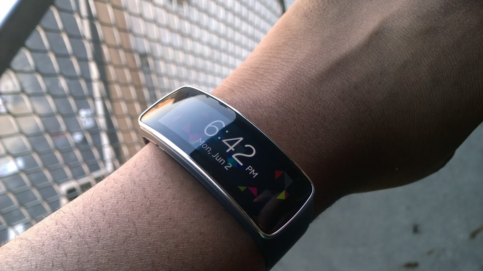 samsung gear fit ready to kick the fitbit review g. Black Bedroom Furniture Sets. Home Design Ideas