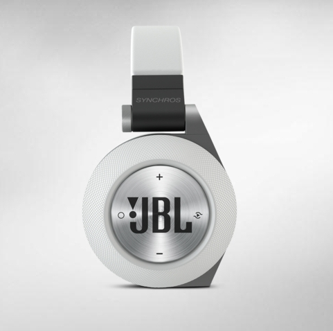 jbl synchros e50bt bluetooth headphones who needs wires review g style magazine. Black Bedroom Furniture Sets. Home Design Ideas
