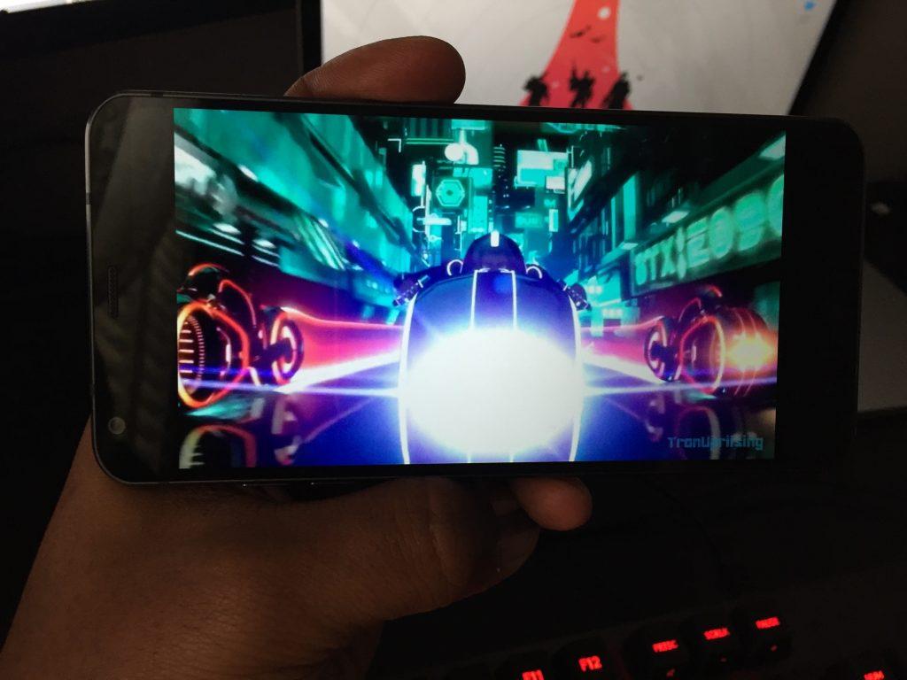 LG G6 Full Vision Display